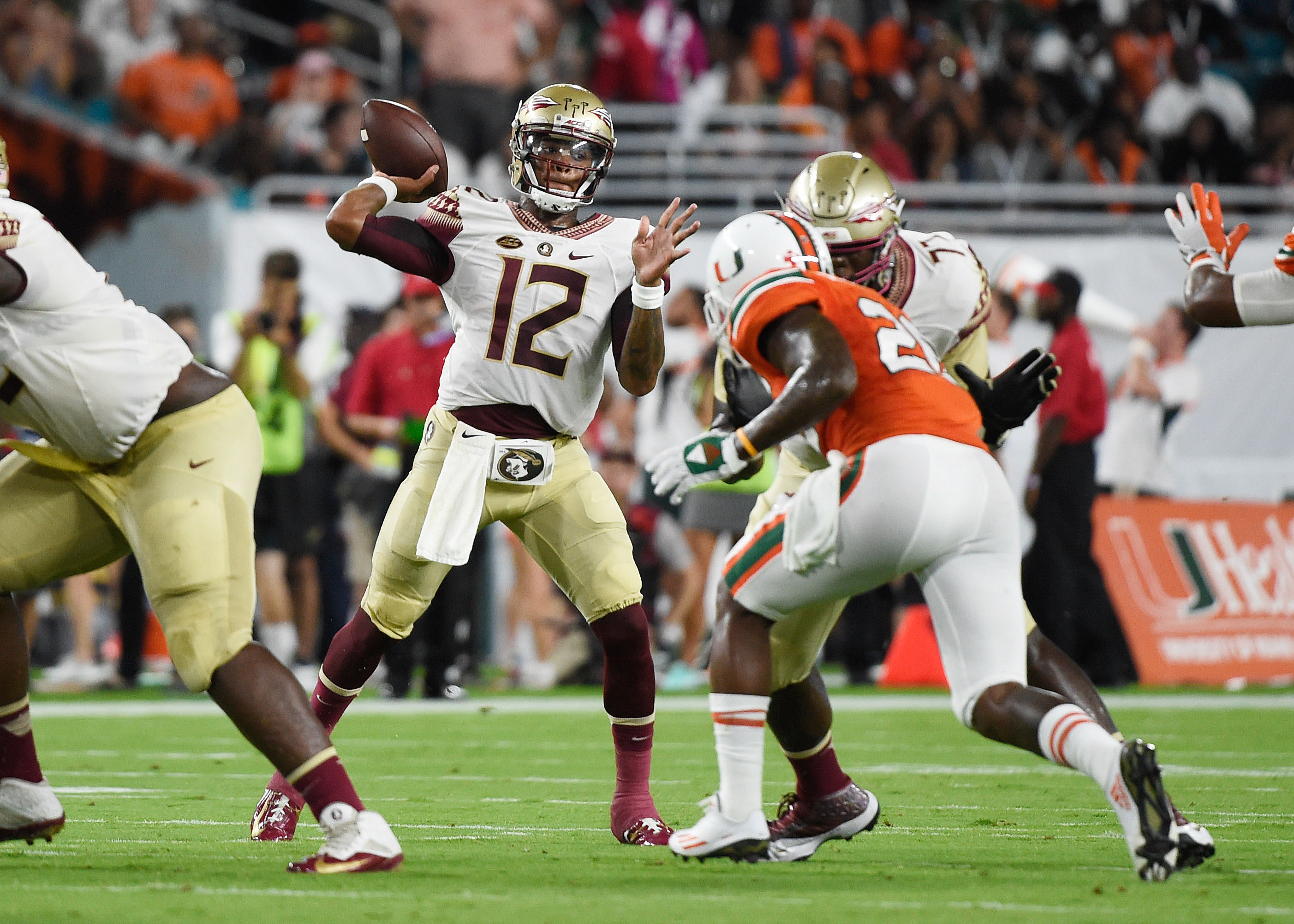 Fsu football 2018 recruiting class news and updates oct 8 2016 miami gardens fl usa florida state seminoles quarterback deondre francois 12 throws a pass during the first half against the miami voltagebd Image collections