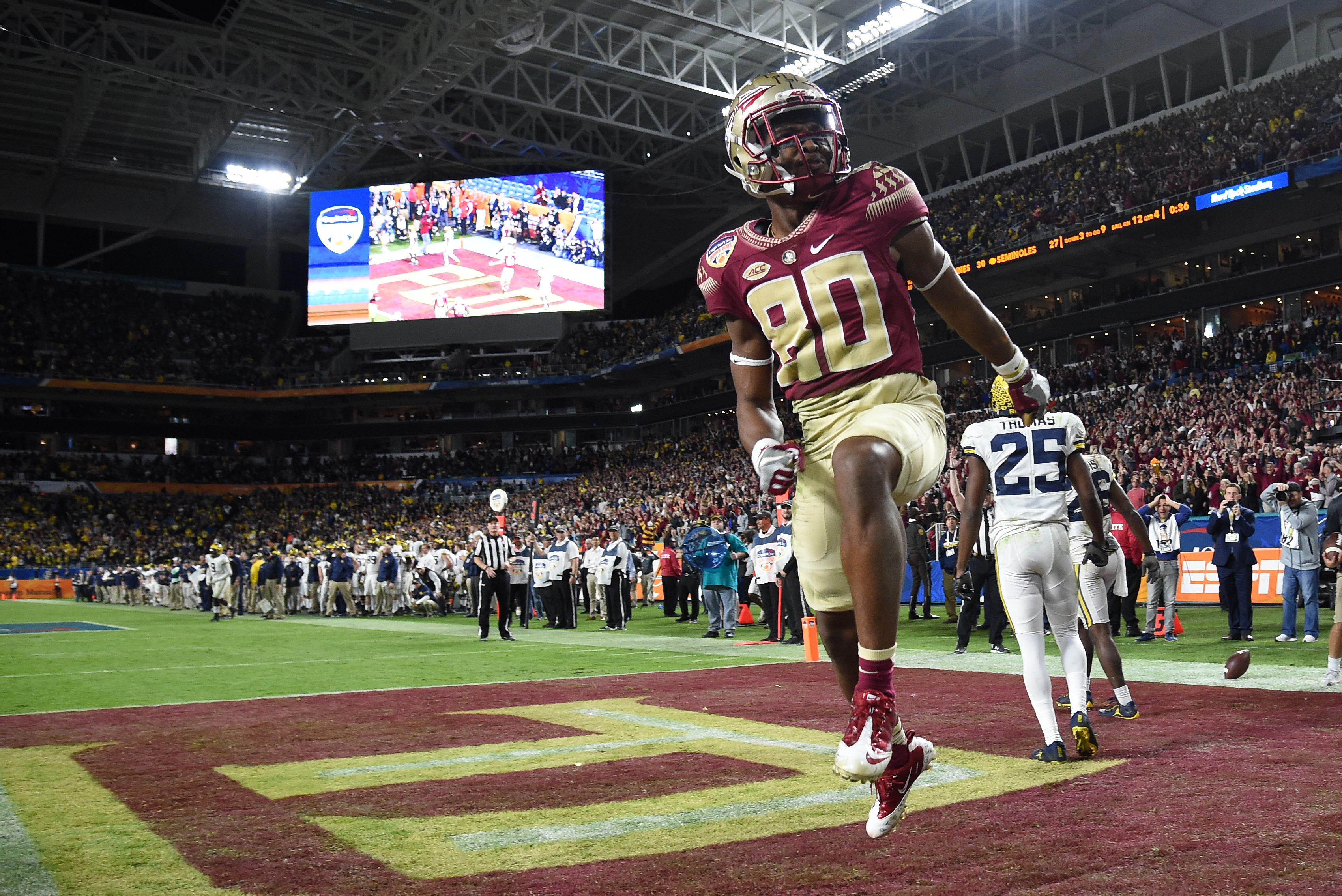 Dec 30 2016 Miami Gardens Fl Usa Florida State Seminoles Wide Receiver Nyqwan Murray 80 Reacts After Making A Touchdown In Front Of Michigan